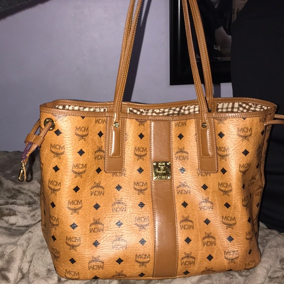 MCM Liz Reversible Medium Visetos Tote Bag